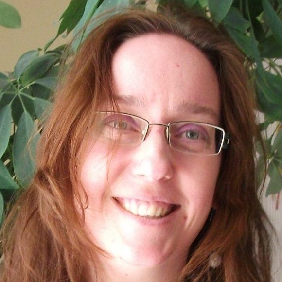Dr. Szarka Emese